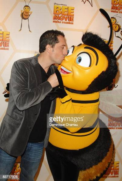 French actor Gad Elmaleh attends the premiere of the film 'Bee Movie' December 2 2007 in Paris France