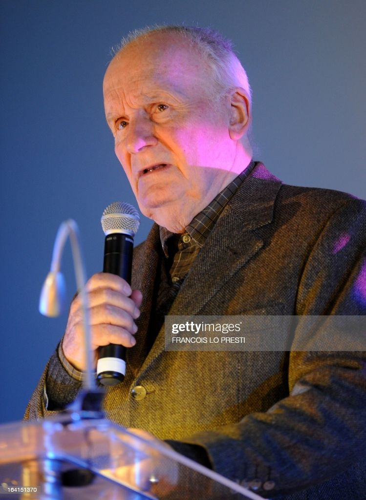 French actor Michel Bouquet addresses as guest of honour during Valenciennes Film Festival on March 20, 2013 in Valenciennes, northern France. Valenciennes Film Festival runs from March 18 to 24. AFP PHOTO FRANCOIS LO PRESTI