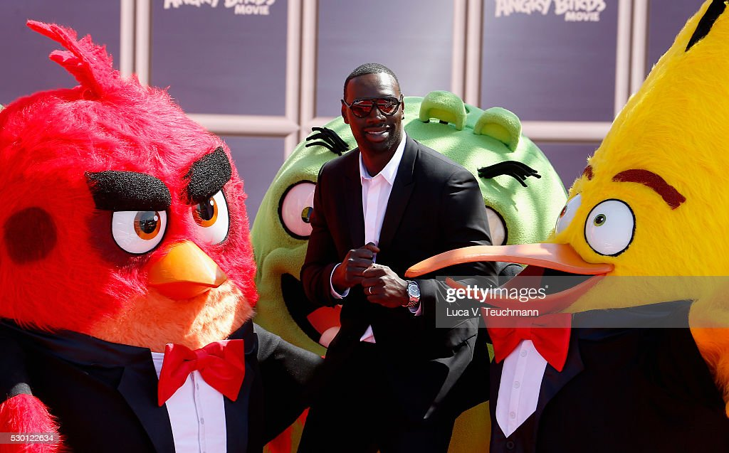 French actor <a gi-track='captionPersonalityLinkClicked' href=/galleries/search?phrase=Omar+Sy&family=editorial&specificpeople=4110364 ng-click='$event.stopPropagation()'>Omar Sy</a> attends 'The Angry Birds Movie' Photocall during the annual 69th Cannes Film Festival at JW Marriott on May 10, 2016 in Cannes, France.