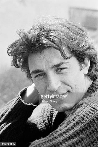 French actor Richard Berry on the set of the film 'Premier Voyage' ('First Voyage'), directed by French director Nadine Trintignant. | Location: St Cesaire, France.
