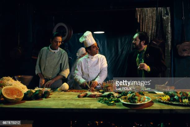 French actor Richard Bohringer and Irish actor Michael Gambon on the set of the film The Cook the Thief His Wife and Her Lover directed by Peter...