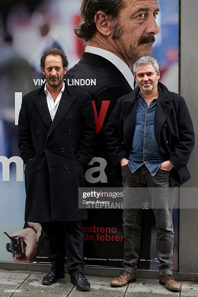French Actor <a gi-track='captionPersonalityLinkClicked' href=/galleries/search?phrase=Vincent+Lindon&family=editorial&specificpeople=626589 ng-click='$event.stopPropagation()'>Vincent Lindon</a> (L) and French director Stephane Brize (R) present 'La Loi Du Marche' (The Measure Of A Man) at the Golem cinema on February 11, 2016 in Madrid, Spain.