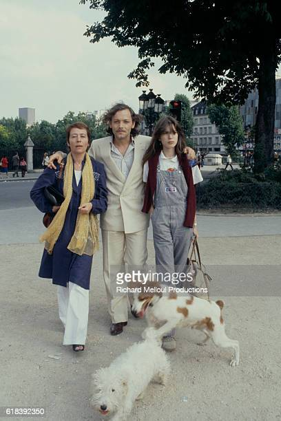 French actors Annie Girardot Patrick Dewaere and Eléonore Klarwein on the set of La Cle sur la porte written and directed by Yves Boisset