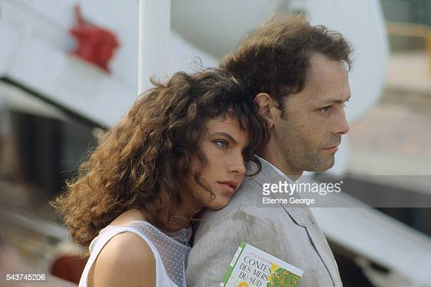 French actors Clio Goldsmith and Patrick Dewaere on the set of 'Plein Sud' directed by Luc Béraud | Location Barcelona Spain