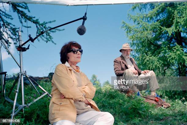 French actors Judith Magre and Philippe Noiret on the set of Le Piquenique de Lulu Kreutz written by Yasmina Reza and directed by Didier Martiny