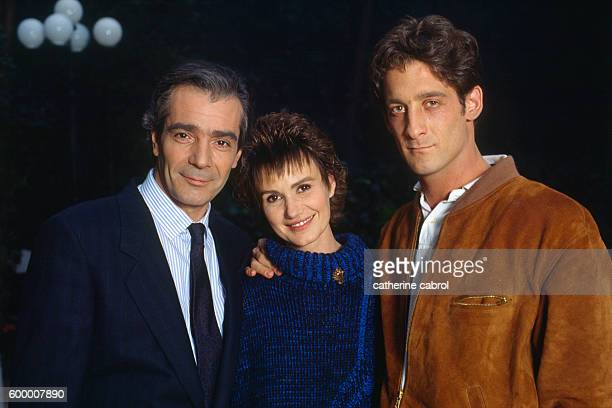 French actors Pierre Arditi Miou Miou and Vincent Lindon during the filming of the television movie Une Vie Comme Je Veux directed by JeanJacques...