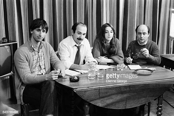 French actors Thierry Lhermitte Gerard Jugnot Christine Pascal and stage director Michel Berto on the set of the film Des Enfants Gates directed by...
