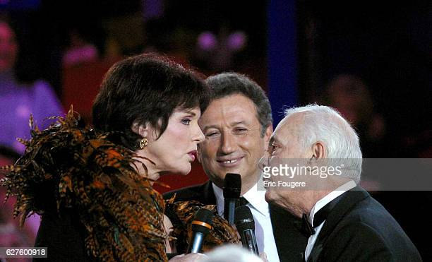 French actress Anny Duperey on the set of Michel Drucker's sunday TV show 'Vivement Dimanche' with French actor Michel Serrault as special guest at...