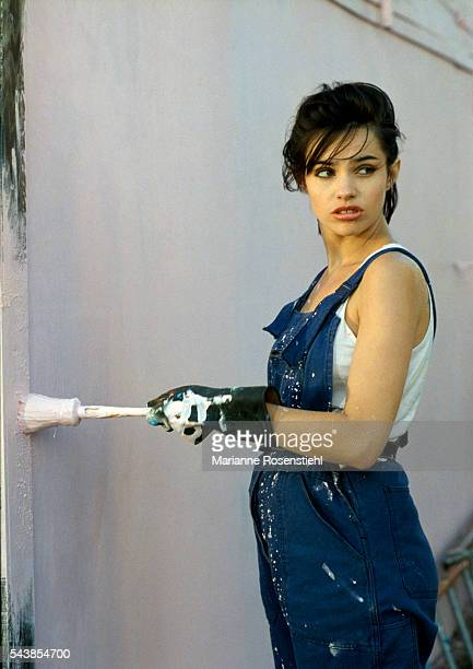 French actress Beatrice Dalle on the set of the film 37°2 Le Matin by French Director JeanJacques Beineix