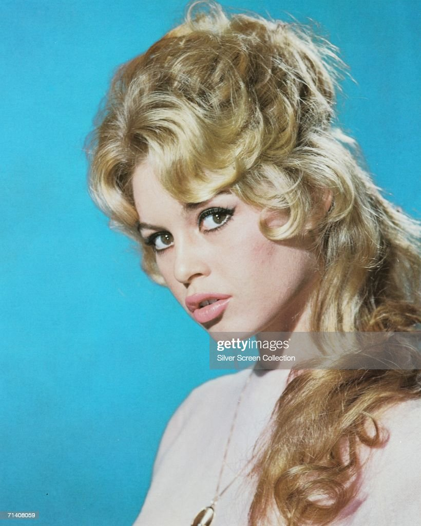 French actress <a gi-track='captionPersonalityLinkClicked' href=/galleries/search?phrase=Brigitte+Bardot&family=editorial&specificpeople=202903 ng-click='$event.stopPropagation()'>Brigitte Bardot</a> pouts at the camera, circa 1960.