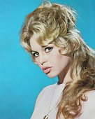 French actress Brigitte Bardot pouts at the camera circa 1960