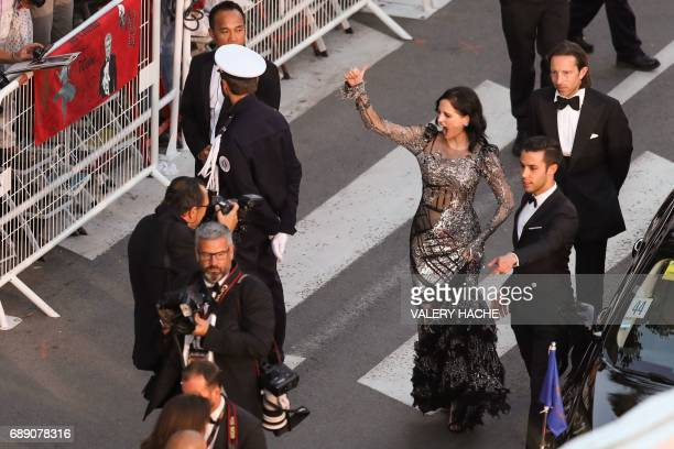 French actress Eva Green gives a thumbsup as she leaves the Festival Palace on May 27 2017 following the screening of the film 'Based on a True...