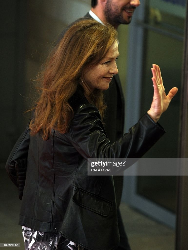 French actress Isabelle Huppert arrives to attend the screening of her film 'As Linhas de Torres' (Lines of Wellington), during the 60th San Sebastian International Film Festival, on September 23, 2012, in the northern Spanish Basque city of San Sebastian.