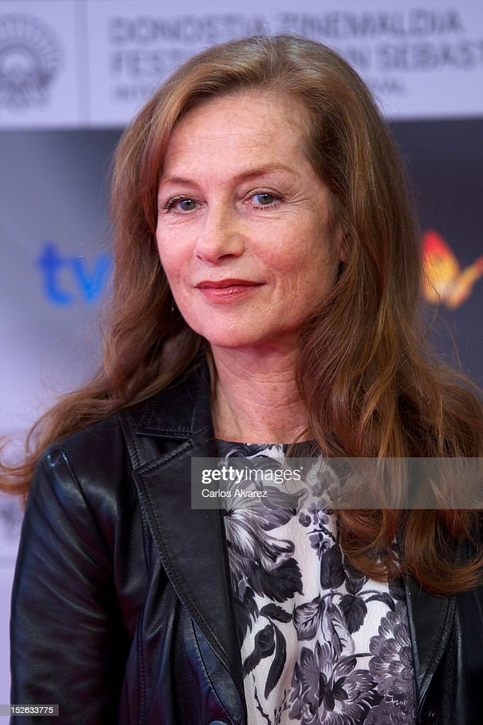 French actress <a gi-track='captionPersonalityLinkClicked' href=/galleries/search?phrase=Isabelle+Huppert&family=editorial&specificpeople=662796 ng-click='$event.stopPropagation()'>Isabelle Huppert</a> attends the 'As Linhas De Torres' photocall at the Kursaal Palace during the 60th San Sebastian International Film Festival on September 23, 2012 in San Sebastian, Spain.