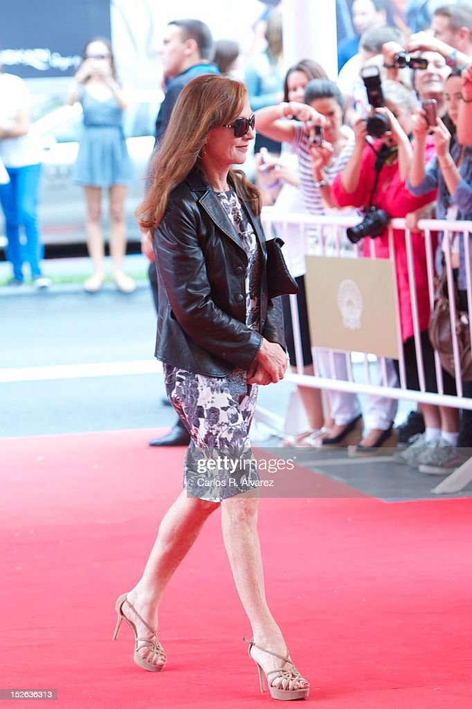 French actress Isabelle Huppert attends the 'As Linhas De Torres photocall photocall at the Kursaal Palace during the 60th San Sebastian International Film Festival on September 23, 2012 in San Sebastian, Spain.