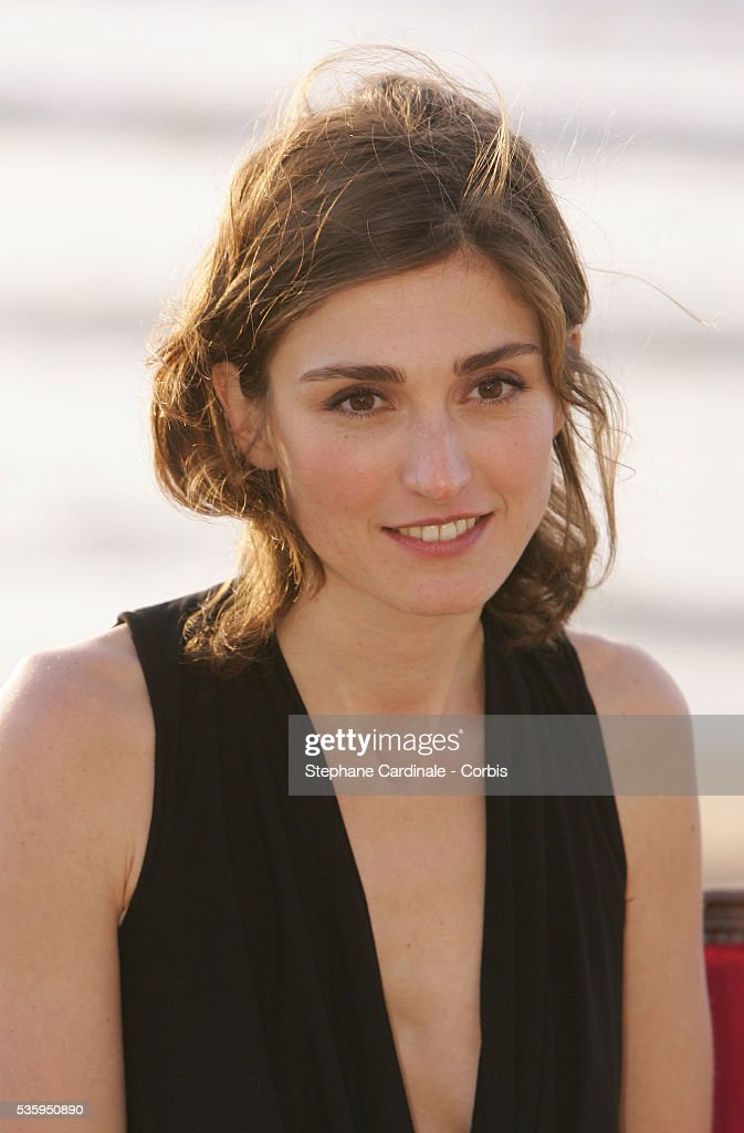 Julie Gayet nudes (74 pictures), images Bikini, Twitter, braless 2020