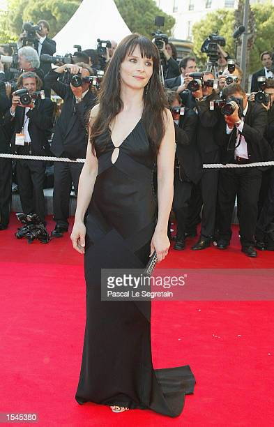 French actress Juliette Binoche arrives for French director Claude Lelouch's film 'And now Ladies and Gentlemen' May 26 2002 in Cannes France...