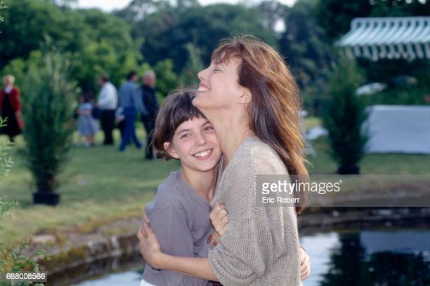 French actress Lou Doillon with her mother British actress and singer Jane Birkin on the set of the film Les Cent et Une Nuits de Simon Cinema...