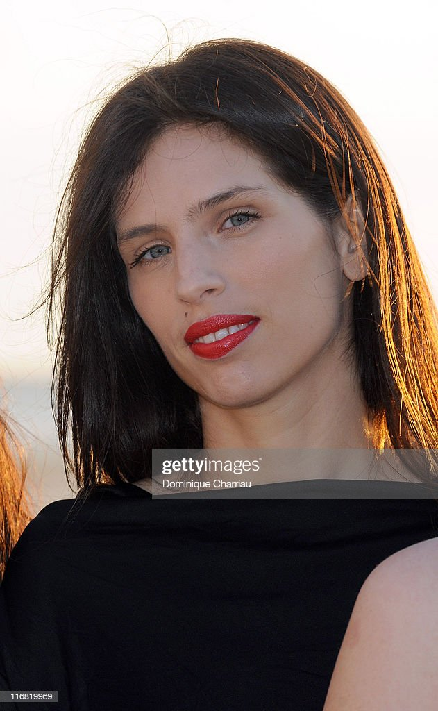 French actress <a gi-track='captionPersonalityLinkClicked' href=/galleries/search?phrase=Maiwenn+Le+Besco&family=editorial&specificpeople=3961805 ng-click='$event.stopPropagation()'>Maiwenn Le Besco</a> attends Festival Romantique de Cabourg on June 12, 2008 in Cabourg, France.
