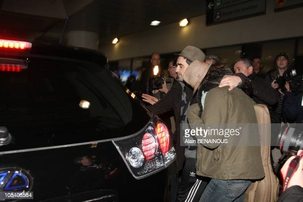 French actress Marion Cotillard arrives in Los Angeles with her boyfriend French actor Guillaume Canet in LosAngeles United States on February 23th...
