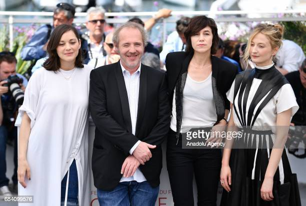 French actress Marion Cotillard French director Arnaud Desplechin French actress Charlotte Gainsbourg and Italian actress Alba Rohrwacher pose during...