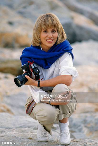 French actress Mireille Darc relaxes in Barcelona during the shooting of the 1990 TV series Laura directed by Jeannot Szwarc | Location Barcelona...