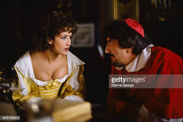 French actress Sophie Marceau and Italian actor Gigi Proietti on the set of the film La fille de d'Artagnan directed by French director Bertrand...
