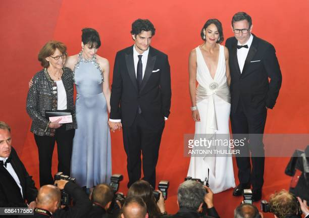 French actress/director and exwife of JeanLuc Godard Anne Wiazemsky FrenchBritish actress Stacy Martin French actor Louis Garrel FrenchArgentinian...