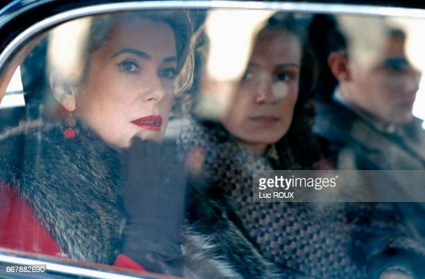 French actresses Catherine Deneuve and Sandrine Bonnaire on the set of the film EstOuest directed by Regis Wagnier