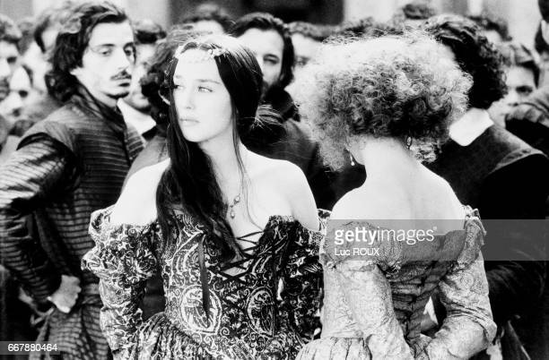 French actresses Isabelle Adjani and Dominique Blanc on the set of Patrice Chereau's film La Reine Margot