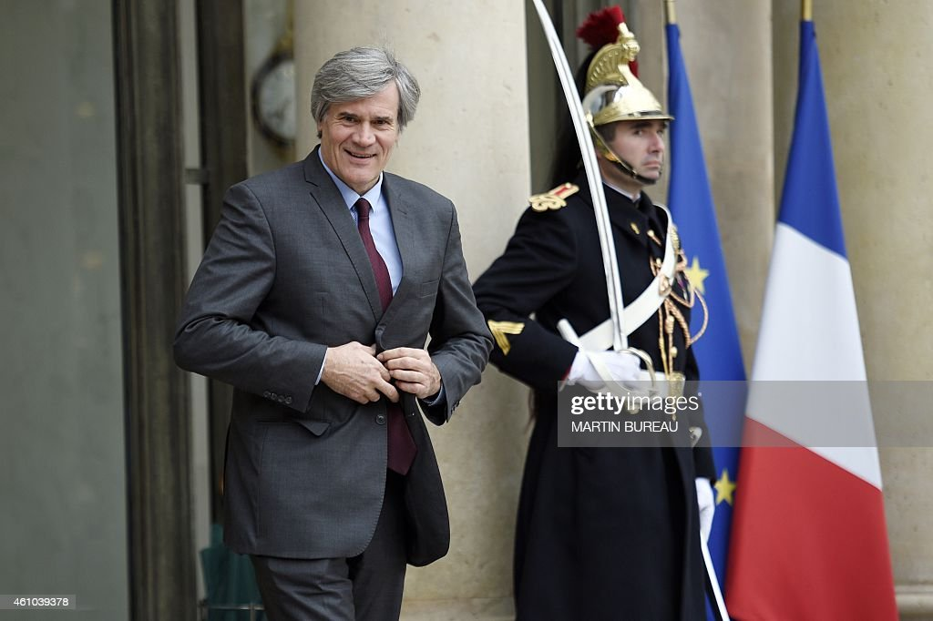 French Agriculture minister and Government spokesperson Stephane Le Foll leaves the Elysee Palace after a weekly cabinet meeting on January 5, 2015 in Paris. AFP PHOTO MARTIN BUREAU
