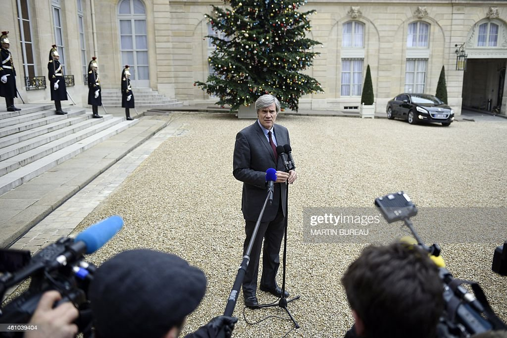 French Agriculture minister and Government spokesperson Stephane Le Foll answers journalists at the Elysee Palace after a weekly cabinet meeting on January 5, 2015 in Paris. AFP PHOTO MARTIN BUREAU