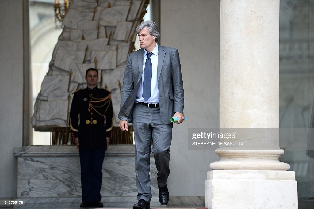 French Agriculture minister and Government spokesperson Stephane Le Foll leaves after a weekly cabinet meeting on June 30, 2016 at the Elysee presidential Palace in Paris. / AFP / STEPHANE