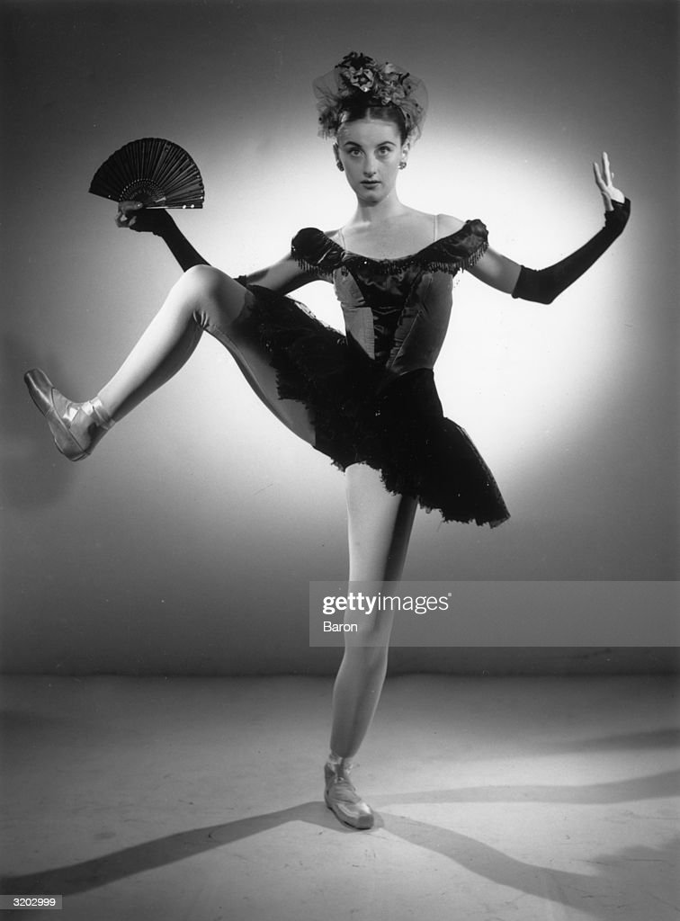 French born dancer Tanaquil Le Clercq (1929 - 2000) of the New York City Ballet in 'Bourree Fantastique'. She married George Balanchine in 1953 but retired after contracting polio in 1956.
