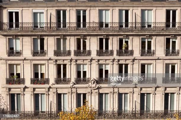 Façade du bâtiment français