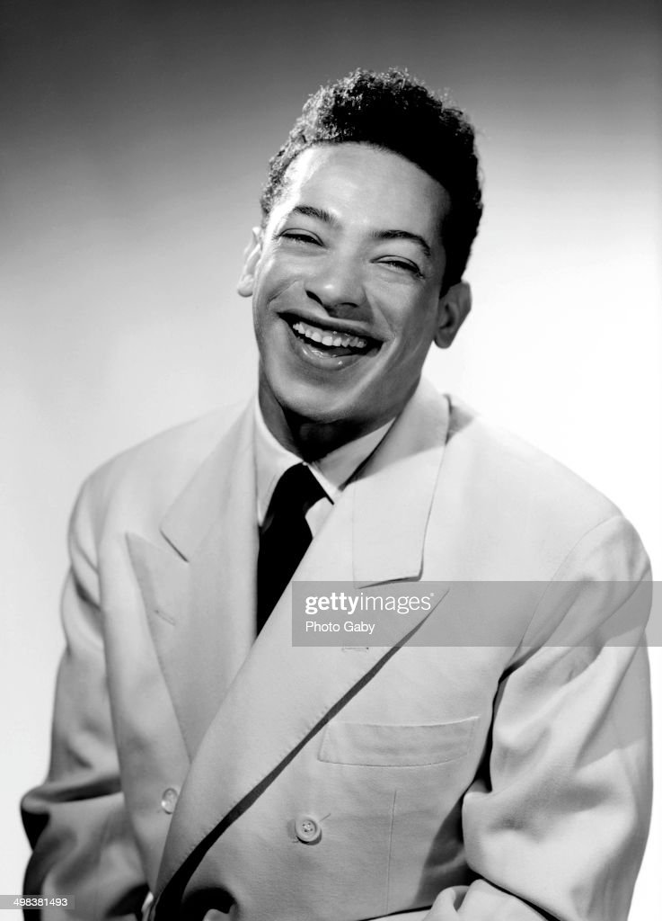 French Caribbean singer <a gi-track='captionPersonalityLinkClicked' href=/galleries/search?phrase=Henri+Salvador&family=editorial&specificpeople=728822 ng-click='$event.stopPropagation()'>Henri Salvador</a> (1917 - 2008), Montreal, Canada, 1951. (Photo by Gaby/Getty Image