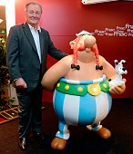 French cartoonist and author Albert Uderzo coauthor with French Rene Goscinny of the popular comic book Asterix poses after a press conference in...