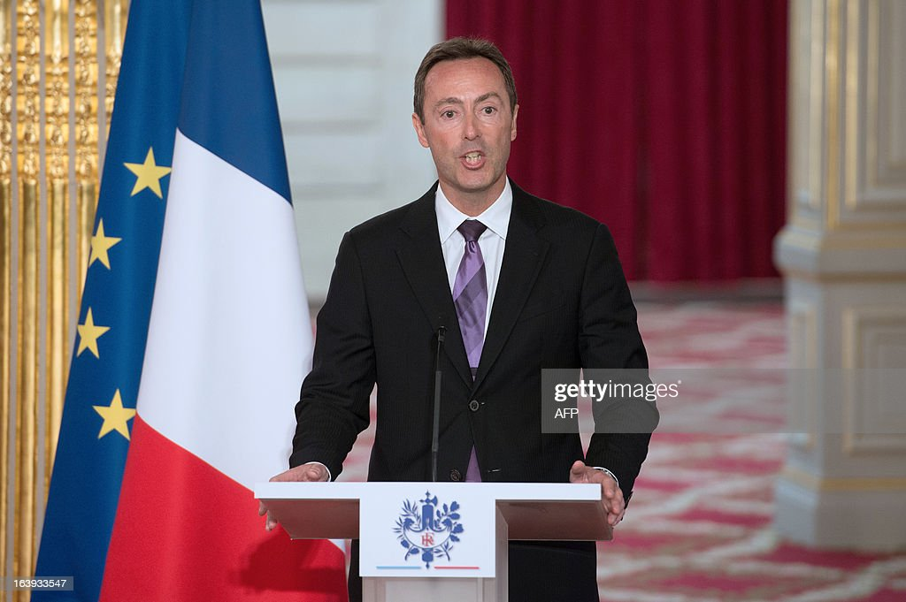 French CEO of European aerospace giant Airbus Fabrice Bregier delivers a speech after signing a contract with Lion Air company during a ceremony at the Elysee presidential palace in Paris on March 18, 2013. Airbus announced a record order worth 18.4 billion euros ($ 23.8 billion) from Indonesia's Lion Air for 234 medium-haul A320 jets. Lion Air, Indonesia's largest private carrier and one of the world's fastest growing airlines, is a new client for Airbus as it has previously been equipped almost exclusively by US rival Boeing. LANGLOIS