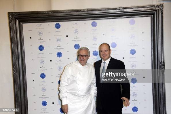 French chef Alain Ducasse and Prince's Albert II of Monaco pose during the festivities marking the 25th anniversary of Ducasse's restaurant 'Le Louis...