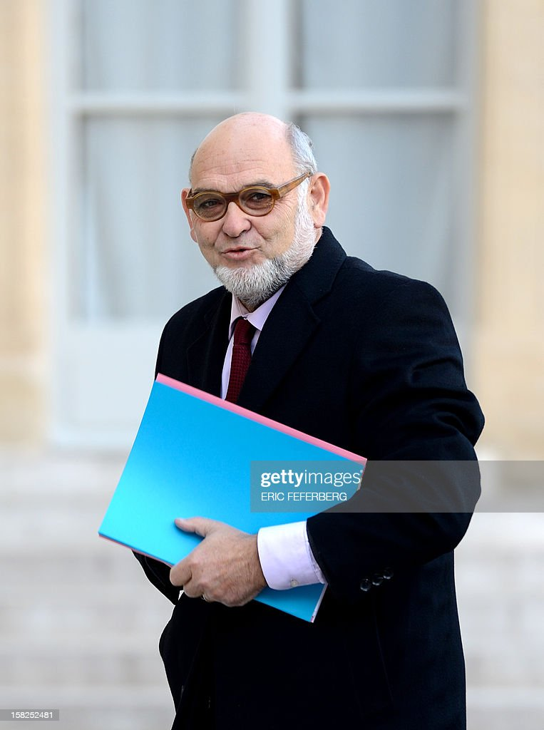 French communist senator Robert Hue arrives at the Elysee Presidential Palace for a meeting with French President Francois Hollande on December 12, 2012 in Paris.