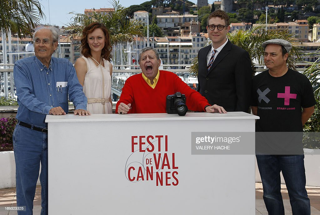 French composer Michel Legrand, US actress Kerry Bishe, comedian Jerry Lewis, director Daniel Noah and actor Kevin Pollak pose on May 23, 2013 during a photocall for the film 'Max Rose' presented Out of Competition at the 66th edition of the Cannes Film Festival in Cannes. Cannes, one of the world's top film festivals, opened on May 15 and will climax on May 26 with awards selected by a jury headed this year by Hollywood legend Steven Spielberg. AFP PHOTO / VALERY HACHE