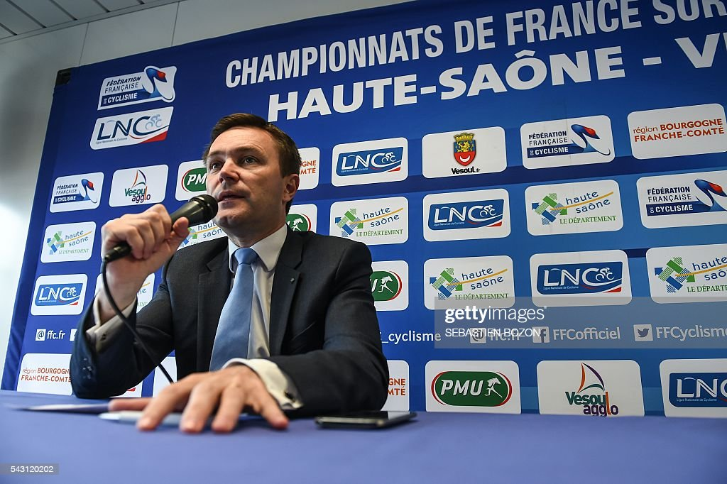 French cycling association (Federation Francaise de Cyclisme, FFC) President, David Lappartient, delivers a speech as he takes part to a press confereence during the 2016 French cycling championships on June 26, 2015 in Vesoul, eastern France. / AFP / Sebastien Bozon
