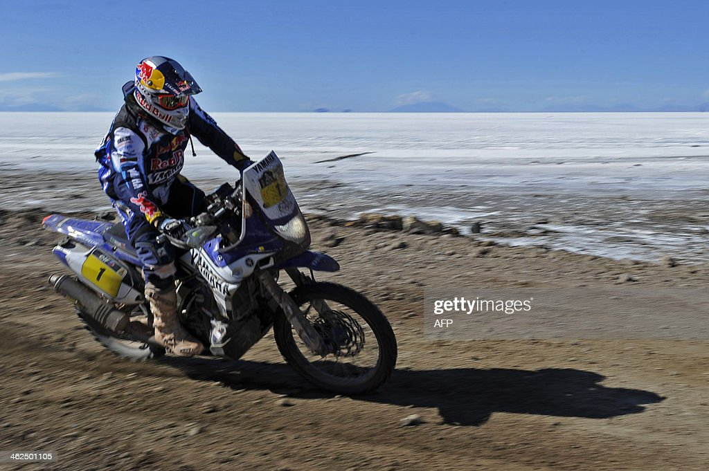 French Cyril Despres competes during the 2014 Dakar Rally stage 8 between Uyuni Bolivia and Calama Chile on January 13 2014 AFP PHOTO/Jorge Bernal
