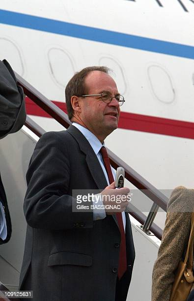 French Delegation Of Ceo On The Accommodation Ladder At The Shanghai Airport On October 11 2004 In Shangai China Jean Martin Folz