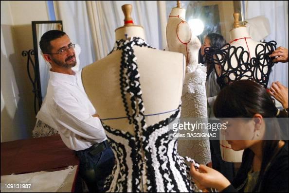 Franck sorbier styliste photos et images de collection for Haute official
