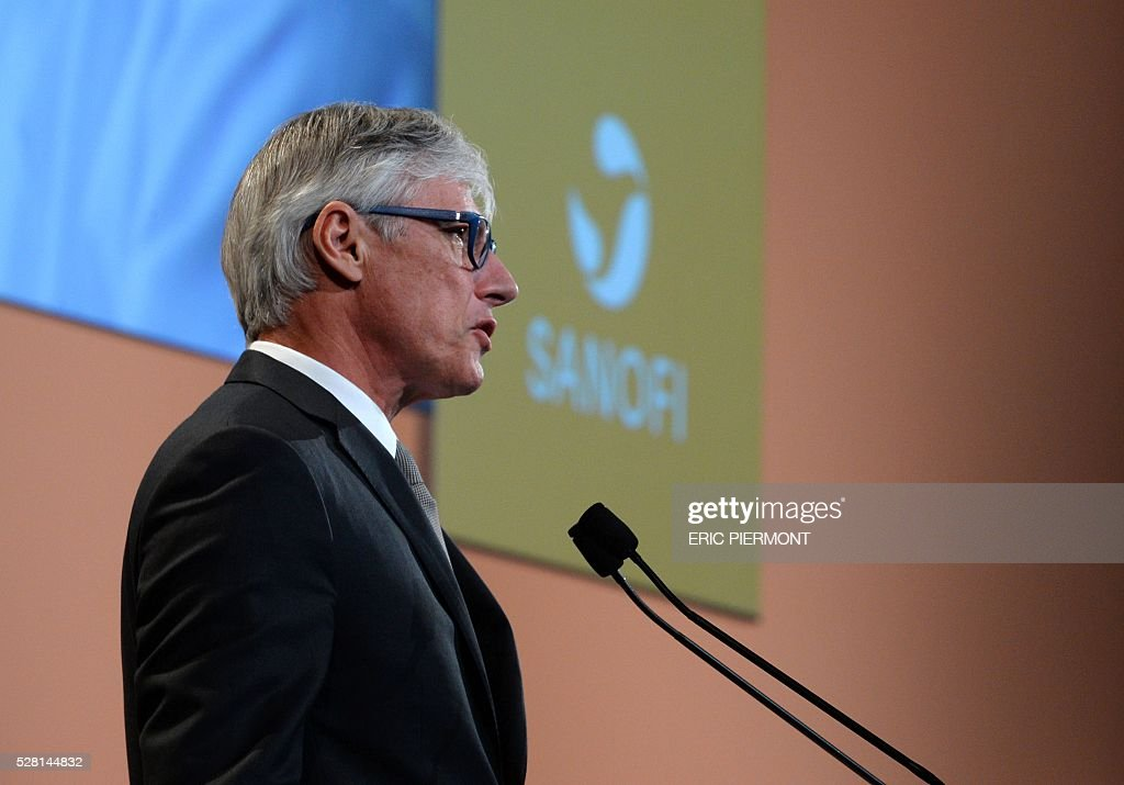 French drugmaker Sanofi chief executive officer Olivier Brandicourt addresses the pharmaceutical group's general meeting in Paris on May 4, 2016. / AFP / ERIC