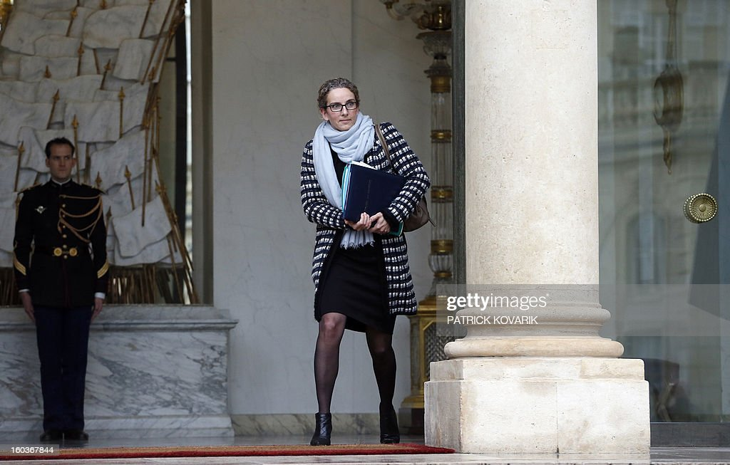 French Ecology Minister, Delphine Batho, leaves the Elysee presidential Palace after the weekly cabinet meeting on January 30, 2013 in Paris. AFP PHOTO / PATRICK KOVARIK