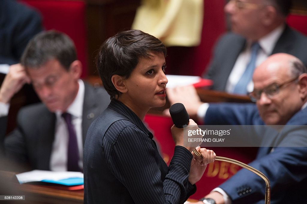 French Education minister Najat Vallaud-Belkacem delivers a speech during a session of Questions to the government, on May 4, 2016 at the French National Assembly in Paris. / AFP / BERTRAND