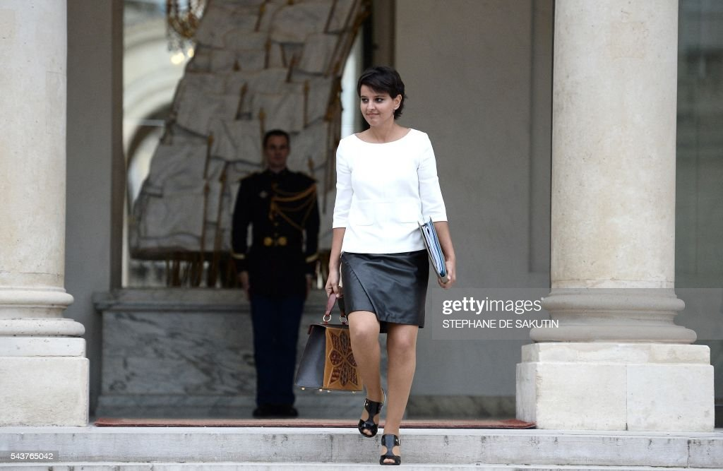 French Education minister Najat Vallaud-Belkacem leaves after a weekly cabinet meeting on June 30, 2016 at the Elysee presidential Palace in Paris. / AFP / STEPHANE