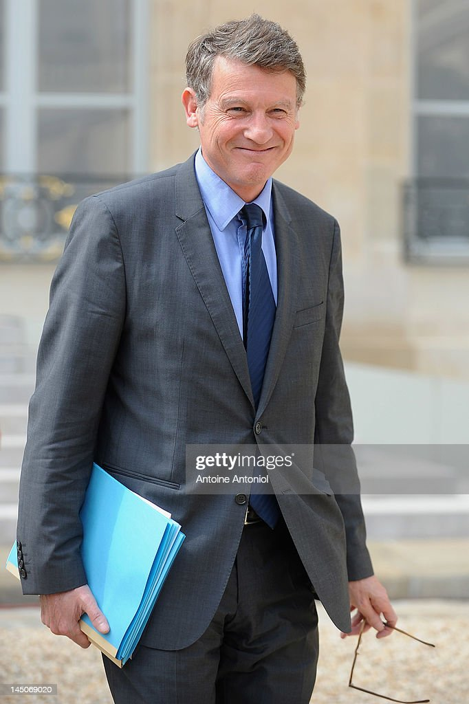 French Education Minister <a gi-track='captionPersonalityLinkClicked' href=/galleries/search?phrase=Vincent+Peillon&family=editorial&specificpeople=2150233 ng-click='$event.stopPropagation()'>Vincent Peillon</a> leaves the weekly cabinet meeting at Elysee Palace on May 23, 2012 in Paris, France. This is the second meeting since the government was appointed May 16.